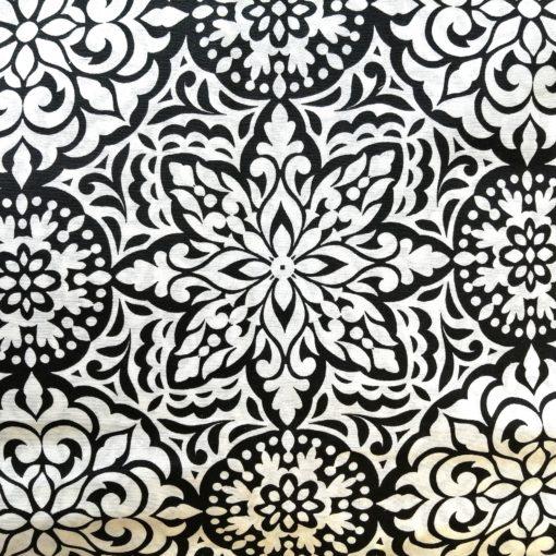 fekete- fehér mandala
